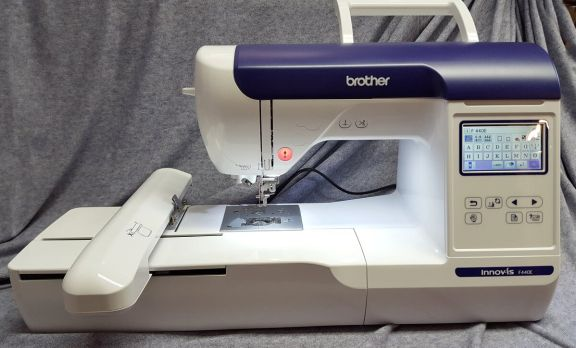 Maquina de bordar Brother innovis F440