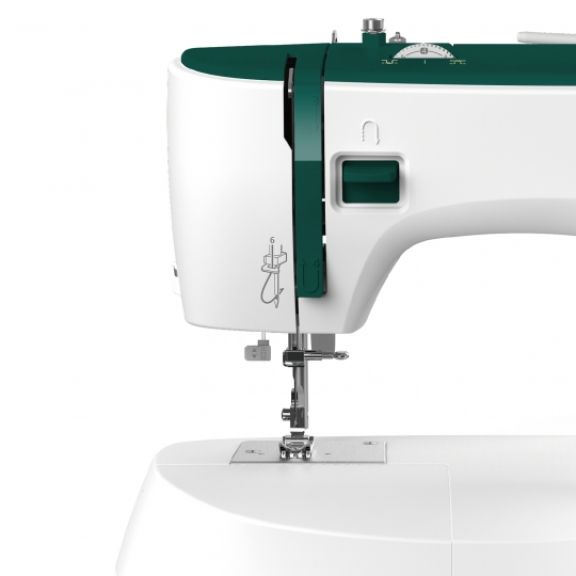 Maquina de coser Necchi K121A domestica