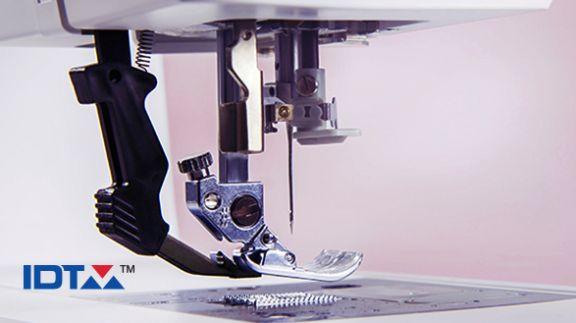 Maquina de coser y bordar Pfaff Creative 1.5